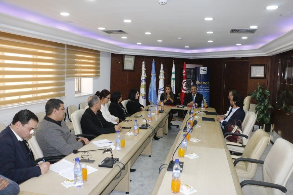 La convention permettra aussi aux abonnés de Lycamobile, à travers l'application « D17 » développée par la Poste Tunisienne,  de payer leurs recharges, mais et d'effectuer divers services financiers numériques 24h/24 et 7 jours/7
