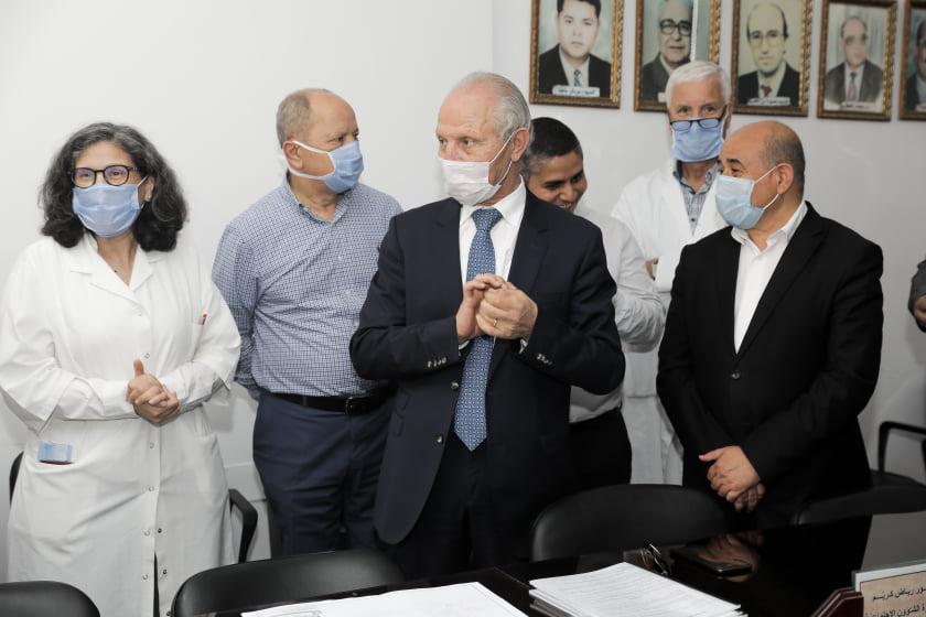 Ce nouveau bâtiment pour Réanimation-Blocs-interventionnel, prévu dans l'enceinte de  l'hôpital Farhat Hached  comptera 8 lits d'hospitalisation