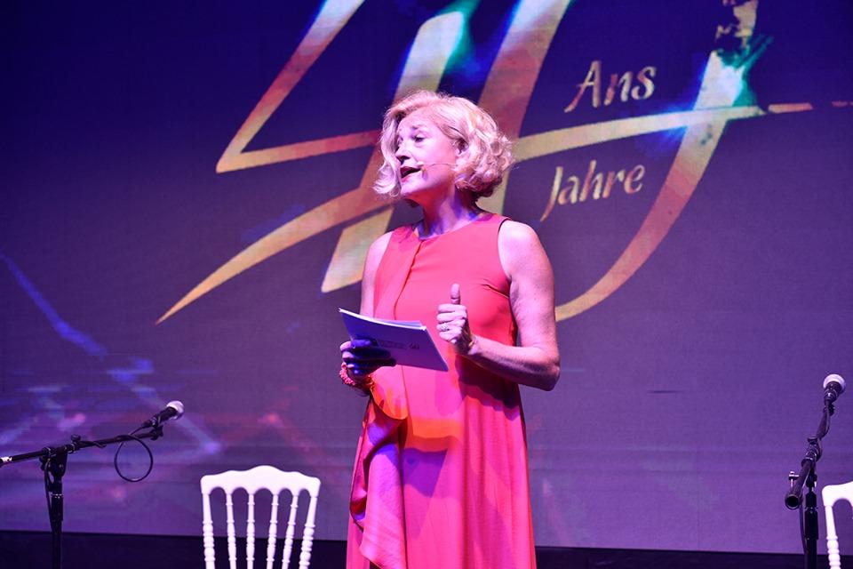 Annette Gerlach journaliste et présentatrice allemande de la chaîne de télévision franco-allemande Arte