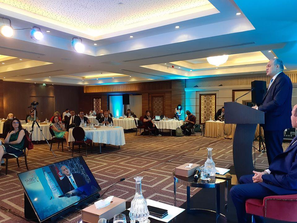 Cette présentation a eu lieu en présence du ministre des Technologies de la communication et de la Transformation numérique, Fadhel Kraiem.