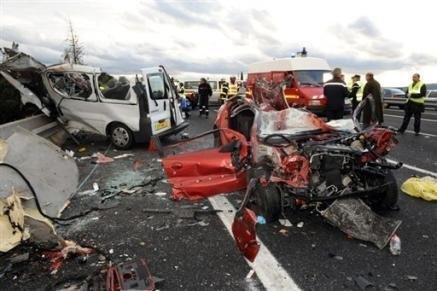 un observateur du r seau mourakiboun trouve la mort dans un accident de la route. Black Bedroom Furniture Sets. Home Design Ideas