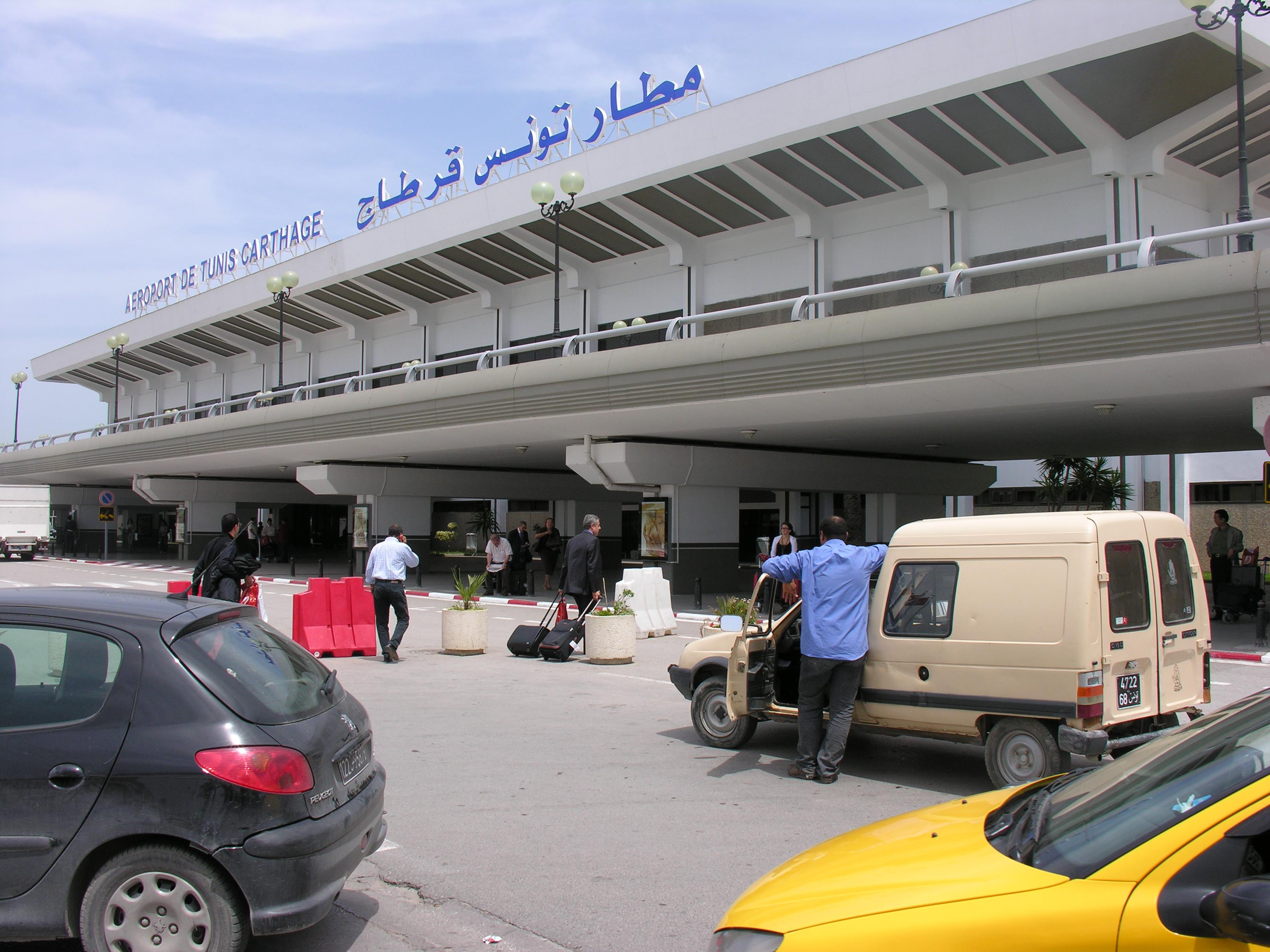 L a roport tunis carthage interdit aux avions en - Office de l aviation civile et des aeroports tunisie ...