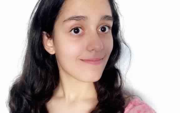 une jeune fille d origine tunisienne meilleure moyenne au bac s à paris