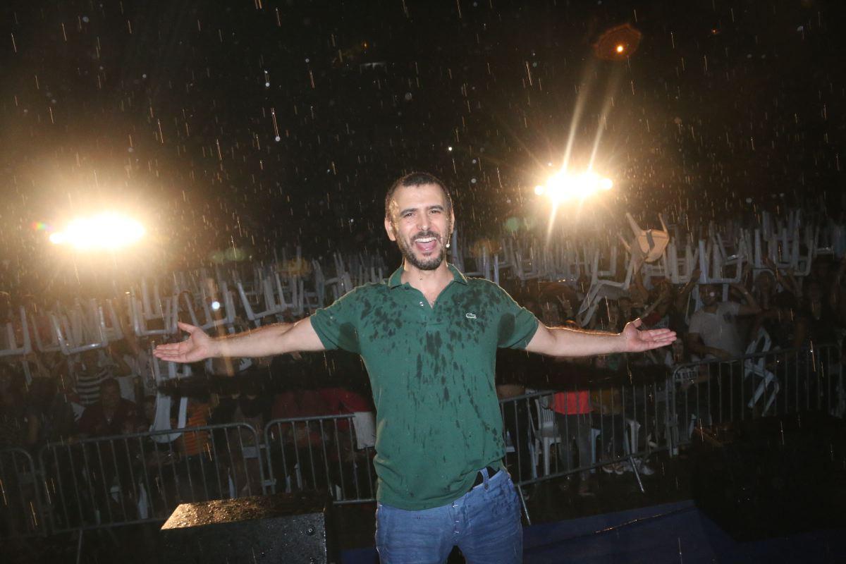 Lotfi Ebdelli sous la pluie