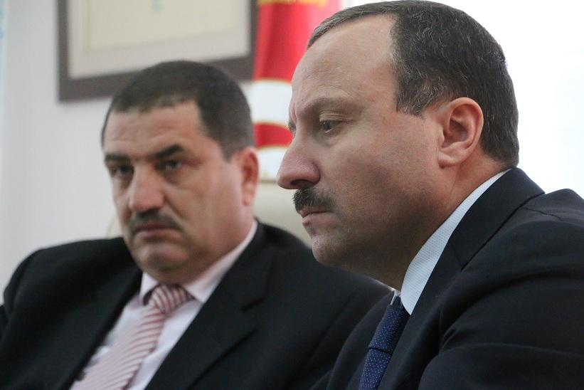 Le PDG de TUNISAIR Elyes Mnakbi et le président du TABC Bassem Loukil.