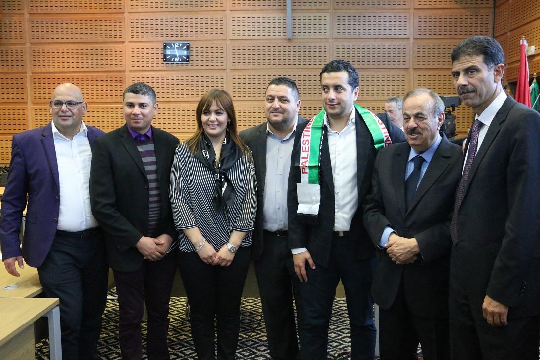 Jamil Abdelkader, président de l'UAPS avec les membres de l'association des journalistes sportifs Tunisiens