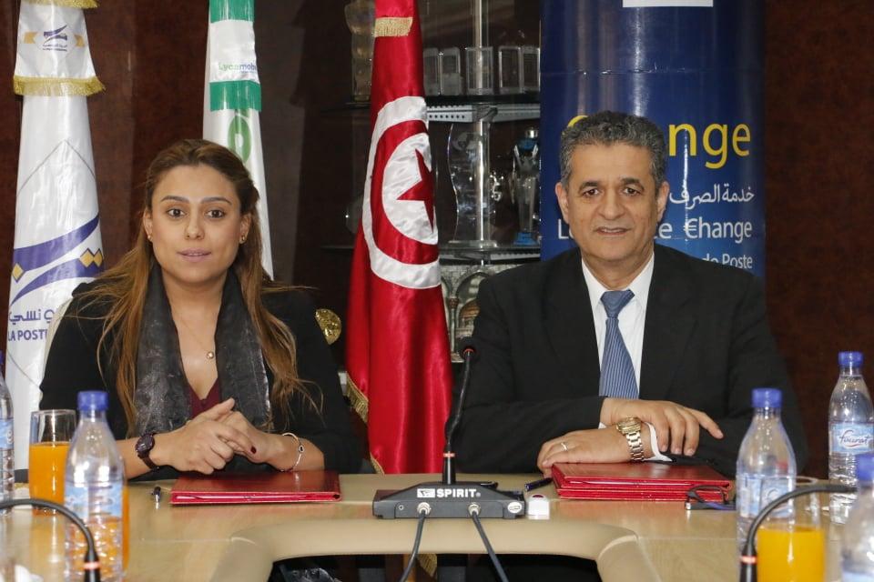 Le PDG de la Poste Tunisienne Jawher Ferjaoui et la PDG  de Lycamobile en Tunisie, Elham Arfaoui.
