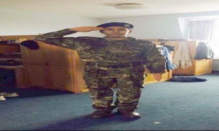 Le fils de Slim Riahi en tenue militaire britannique: quel message aux Tunisiens
