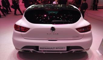 Renault présente la version RS 220 Trophy