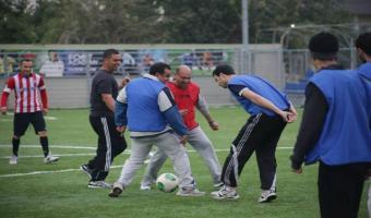 En photos, Marzouki joue au foot
