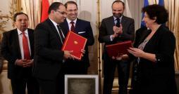 Aucune mention des étudiants tunisiens dans le décret français relatif à l'exonération des droits d'inscription