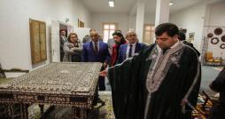 Photo du jour : René Trabelsi en Jebba visite le centre de l'artisanat de Denden
