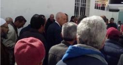 Le Président Saied effectue sa prière du vendredi dans la mosquée vandalisée à Mnihla