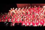 Très émouvant: Des enfants canadiens chantent