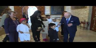 Essebsi reçoit un groupe d'enfants malades au Palais