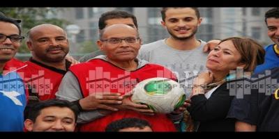 En vidéo, Moncef Marzouki participe à un match de foot